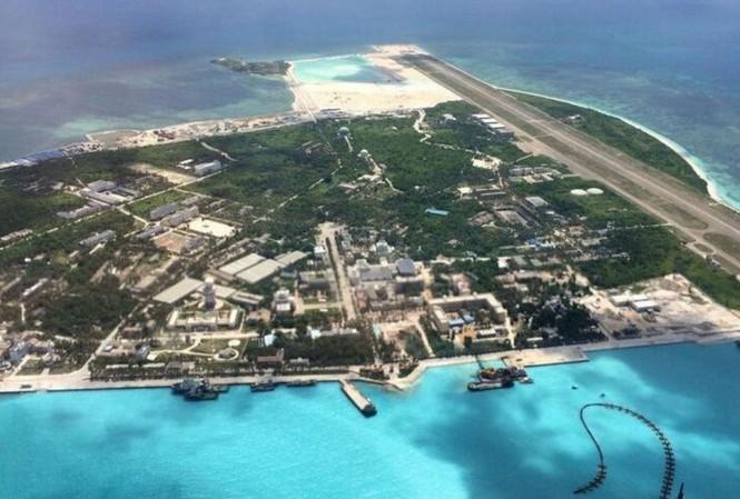 Hình ảnh đảo Phú Lâm thuộc quần đảo Hoàng Sa của Việt Nam bị Trung Quốc chiếm và biến thành một căn cứ quân sự Ảnh: SCMP