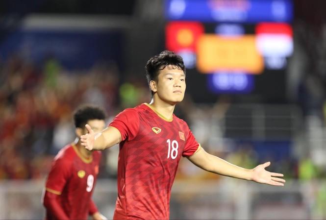 Thành Chung không những là chốt chặn vững chắc ở hàng thủ mà anh còn đóng góp những bàn thắng rất quan trọng cho U22 Việt Nam ảnh: HỮU PHẠM