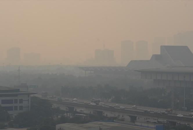 Ô nhiễm không khí đang và sẽ trở thành một vấn đề bức xúc ở nhiều thành phố trên cả nướcẢnh: P.V