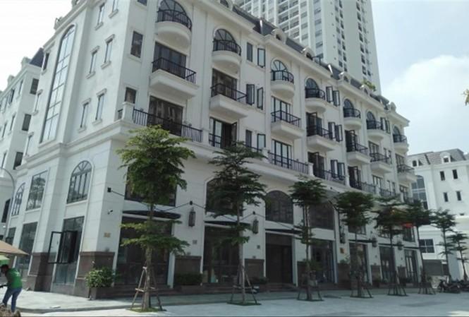 Công trình hợp khối, thay đổi công năng từ 7 căn liền kề tại Sài Đồng, Long Biên