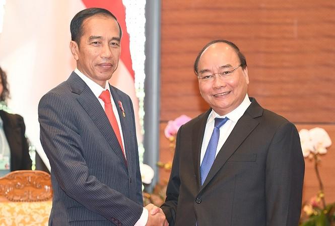 Thủ tướng Nguyễn Xuân Phúc đã hội kiến với Tổng thống Indonesia Joko Widodo. Ảnh: VGP