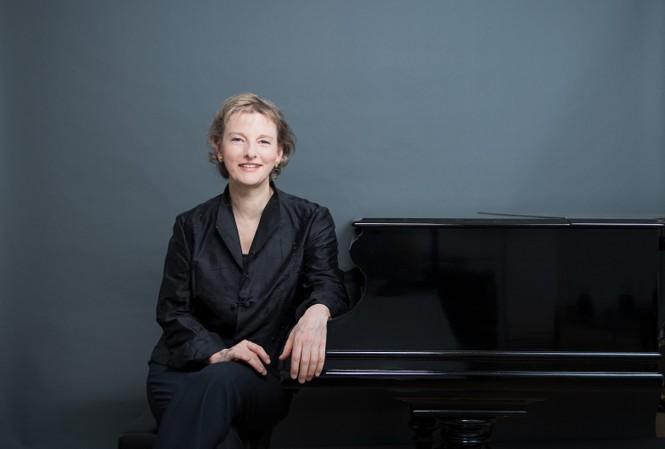 Nữ nghệ sỹ Corina Simon sẽ biểu diễn tại Nhạc viện Hà Nội.