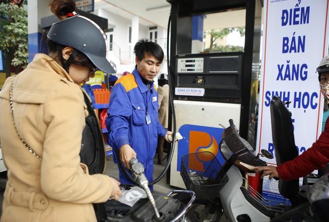 Bộ Tài chính đề xuất tăng thuế môi trường với xăng dầu lên kịch khung nhằm bù hụt thu ngân sách nhà nước