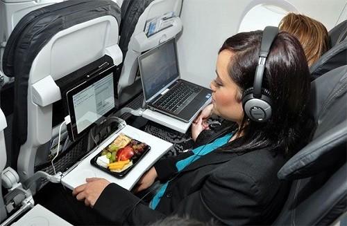 Lần đầu tiên thí điểm wifi cho hành khách trên máy bay