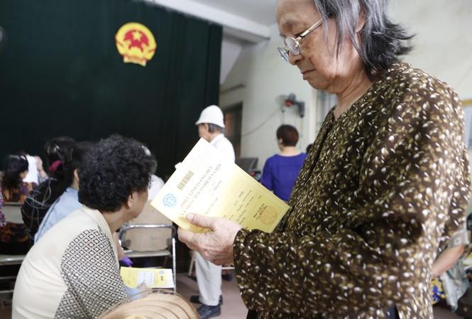 Dù tuổi nghỉ hưu được tăng lên, nhưng người làm việc trong một số điều kiện nặng nhọc, độc hại, suy giảm khả năng lao động... sẽ được nghỉ hưu trước tuổi.