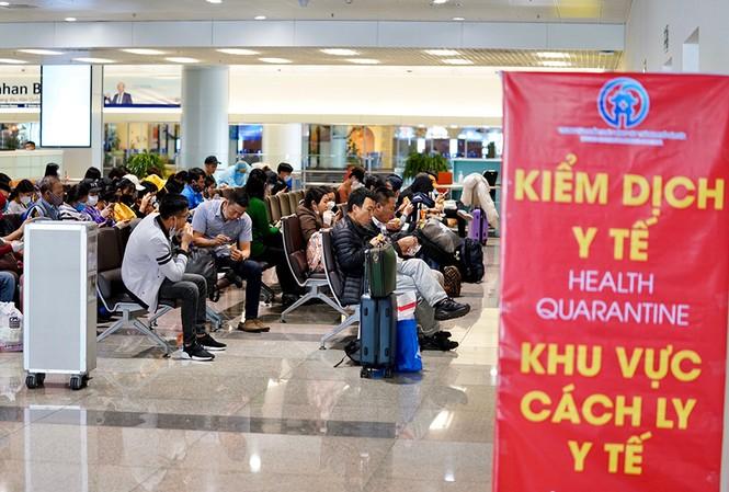 Cách ly tập trung toàn bộ khách quốc tế nhập cảnh Việt Nam
