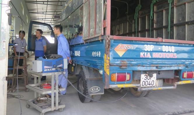 Nhiều phương tiện sử dụng nhiên liệu diesel không đạt tiêu chuẩn khí thải. Ảnh minh hoạ.