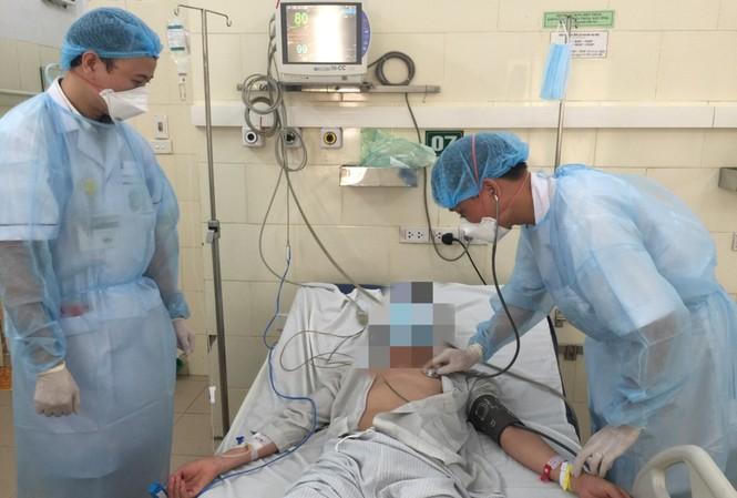 Bệnh nhân viêm não mô cầu đầu tiên đang điều trị tại Bệnh viện Bạch Mai