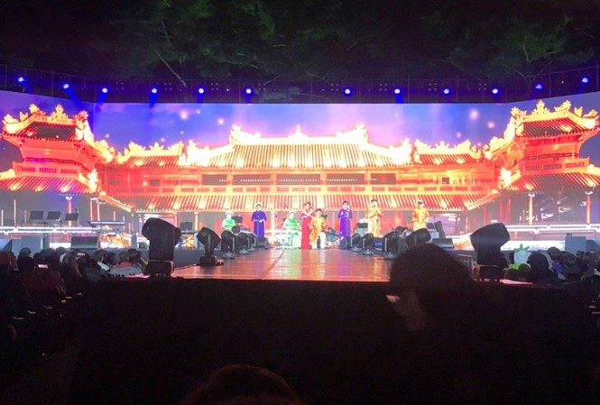 Nghệ sĩ Huế biểu diễn tại Lễ hội Văn hóa Silla (Hàn Quốc)