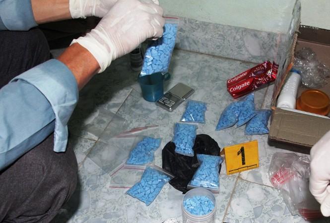 Thu giữ một lượng lớn ma túy trong đường dây buôn bán ma túy liên tỉnh từ Huế vào các tỉnh phía Nam.