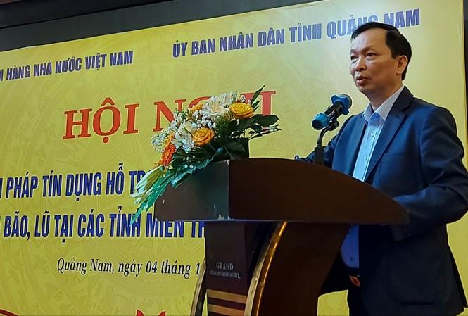 Phó thống đốc thường trực Ngân hàng Nhà nước Đào Minh Tú nhấn mạnh, cần đẩy mạnh triển khai tín dụng tiêu dùng, để người dân không bị sa vào tín dụng đen.