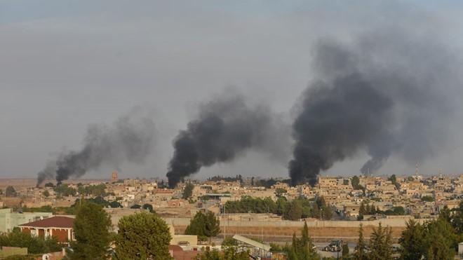 Các lực lượng của Syria đã phải rút khỏi một số vị trí do bị pháo kích dữ dội. Ảnh Reuters