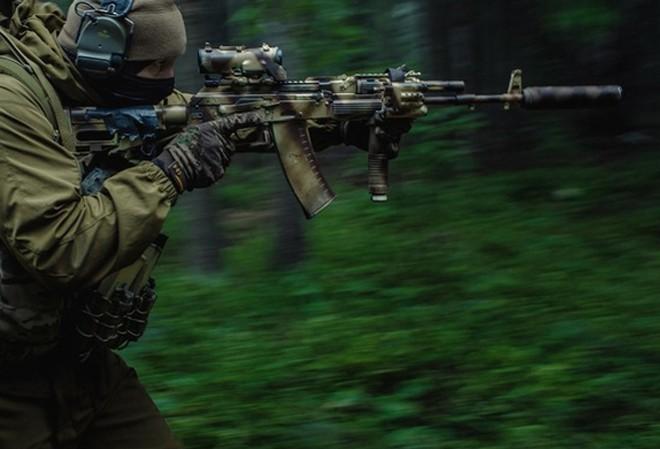 Đặc công Nga nhận 700 khẩu súng trường tấn công AK-12