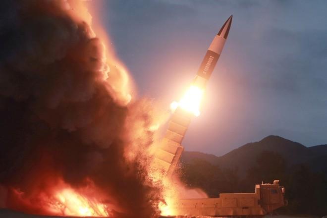 Một vụ phóng tên lửa đạn đạo của Triều Tiên. Ảnh: KCNA.