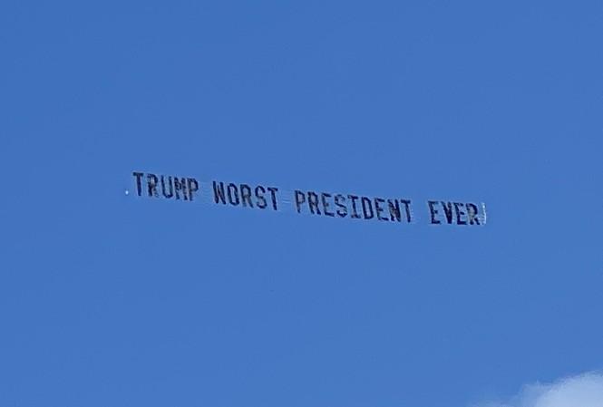Ông Trump bị cư dân Florida chế nhạo ngay tại tư dinh