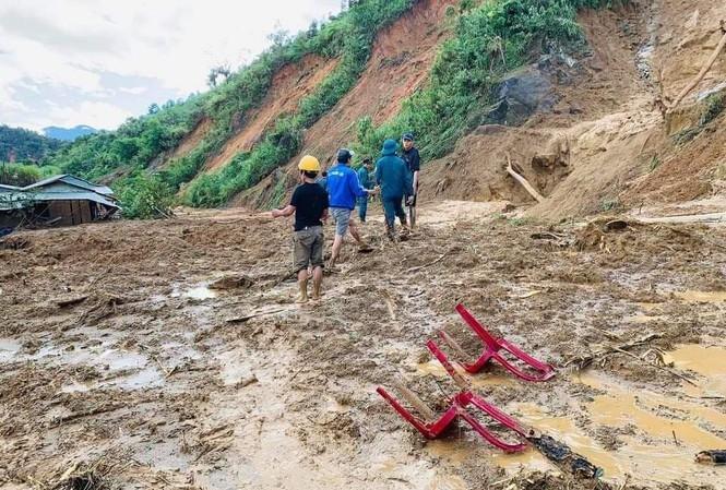 Hiện trường vụ lở đất tại Phước Sơn, Quảng Nam. Ảnh: Hoài Văn