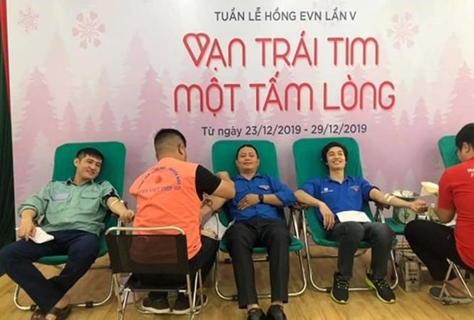 Công ty CP Nhiệt điện Hải Phòng phối hợp với BV Việt – Tiệp tổ chức hiến máu - Ảnh: TPC Hải Phòng