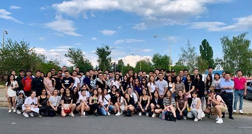 Đông đảo sinh viên Việt Nam tại Châu Âu hội tụ về hành phố Lahay, Vương quốc Hà Lan tham gia Hội trại Thanh niên Sinh viên Việt Nam tại châu Âu lần thứ 5, năm 2019.