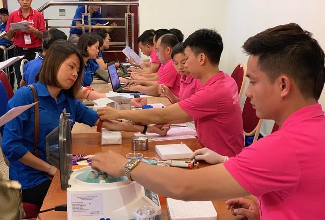Hiến máu tình nguyện là một trong những hoạt động tình nguyện nổi bật của tuổi trẻ VNPT