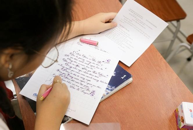 """Chương trình viết chữ đẹp với thông điệp: """"Nét chữ từ trái tim"""" dành cho các em học sinh từ lớp 1 tới lớp 9 trên cả nướC diễn ra từ 1/4-14/4/2020."""