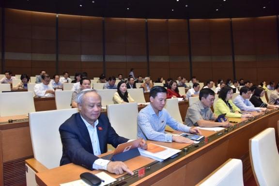 Quốc hội đã thông qua dự thảo Nghị quyết về Kế hoạch phát triển kinh tế - xã hội năm 2020. Ảnh Như Ý