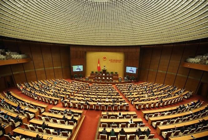 Quốc hội ra Nghị quyết, bế mạc kỳ họp thứ 8, Quốc hội khóa 14. Ảnh Như Ý