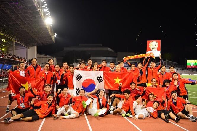 Vô địch SEA Games 30 là tấm huy chương lịch sử của bóng đá Việt Nam