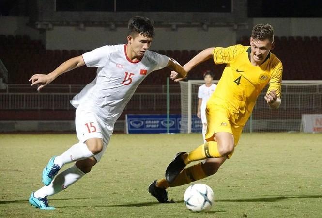 Thua đậm Australia, U18 Việt Nam vẫn sáng cửa đi tiếp