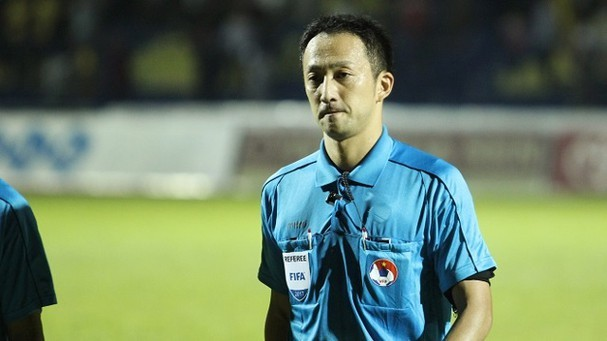 Trọng tài Jumpei Iida điều khiển trận Việt Nam- UAE