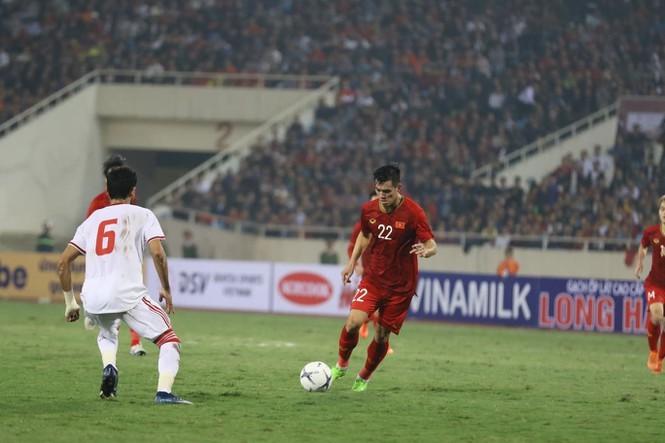 Tuyển Việt Nam thắng UAE, Tiến Linh ghi bàn như Ronaldo