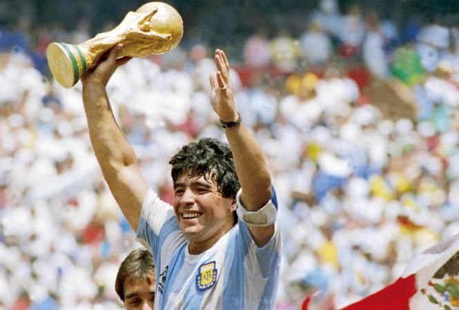 Làng bóng Việt tiếc thương huyền thoại Maradona