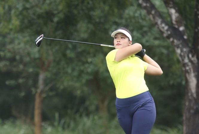 Thảo My dự Tiền Phong Golf Championship 2020