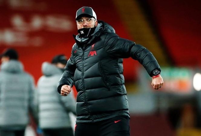 HLV Liverpool lo lắng viễn cảnh Ngoại hạng Anh bị hoãn