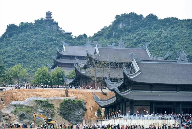 Chùa Tam Chúc, khi hoàn thiện được đánh giá là ngôi chùa lớn nhất thế giới. Ảnh: M.Đ