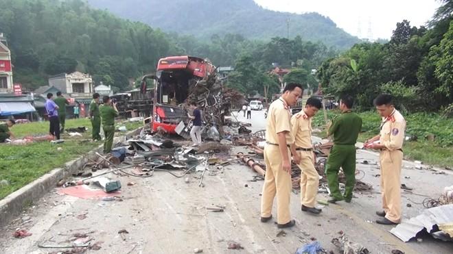 Vụ tai nạn khiến 3 người chết ở Hoà Bình liên quan đến xe của Cty TNHH Long Giang.