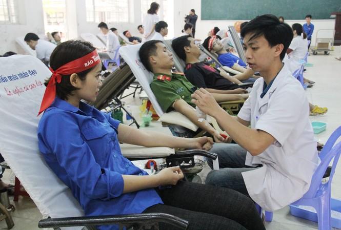Đà Nẵng: Gần 1000 người nô nức tham gia ngày hội Chủ nhật Đỏ