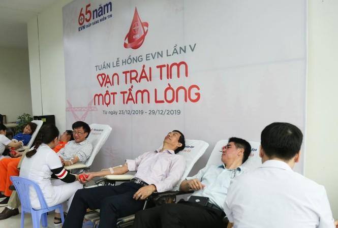 Tuần lễ hồng EVN thu hơn 400 đơn vị máu chia sẻ với người bệnh