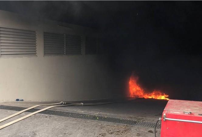 Máy bơm bốc cháy khiến cư dân hốt hoảng.