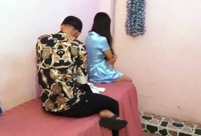 Cơ sở massage cho tiếp viên khoả thân kích dục cho khách nam.