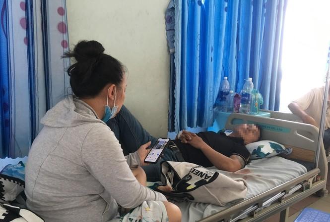 Anh P. đang điều trị tại bệnh viện ở TPCM.