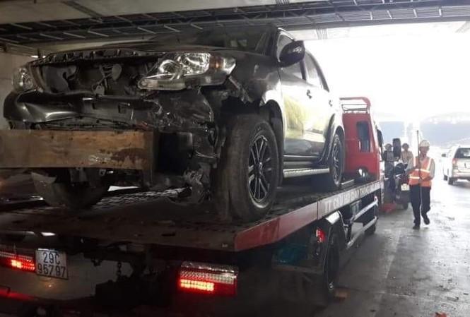 Chiếc xe được đưa về công an.