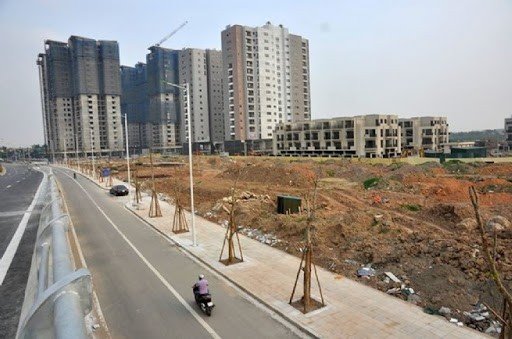 Dù thị trường bất động sản khó khăn nhưng giá nhà ở chưa có dấu hiệu giảm.