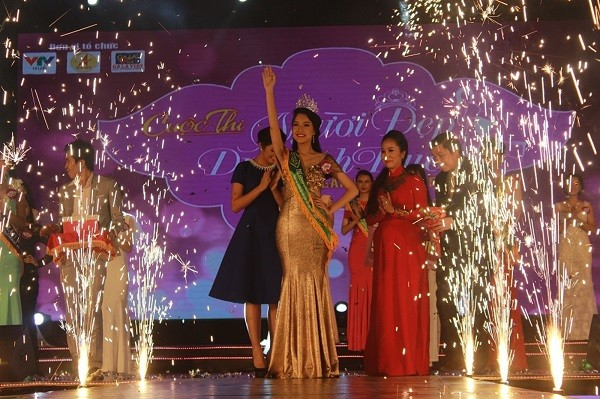 Thí sinh Lê Trần Ngọc Trân giành ngôi vị quán quân cuộc thi.