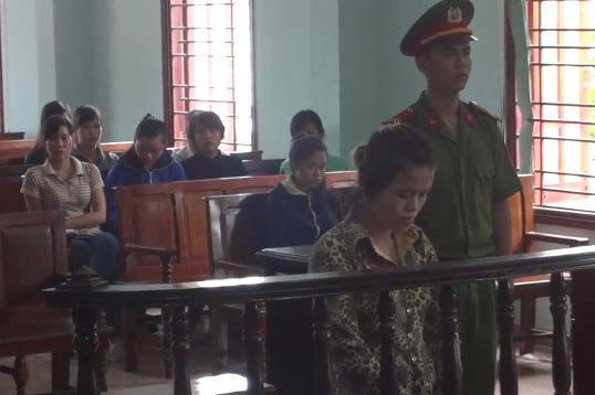 Võ Thị Mộng Hằng tại phiên tòa.