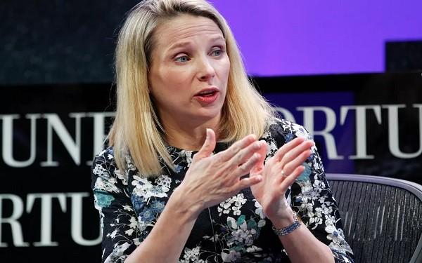 """Yahoo từ lâu đã cho thấy bộ mặt yếu kém dưới sự quản lý của """"người đàn bà đẹp"""" Marissa Mayer"""