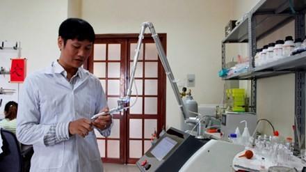 Sản phẩm máy chữa lành vết thương không cần kháng sinh là 1 trong 10 sự kiện KH&CN tiêu biểu 2016.
