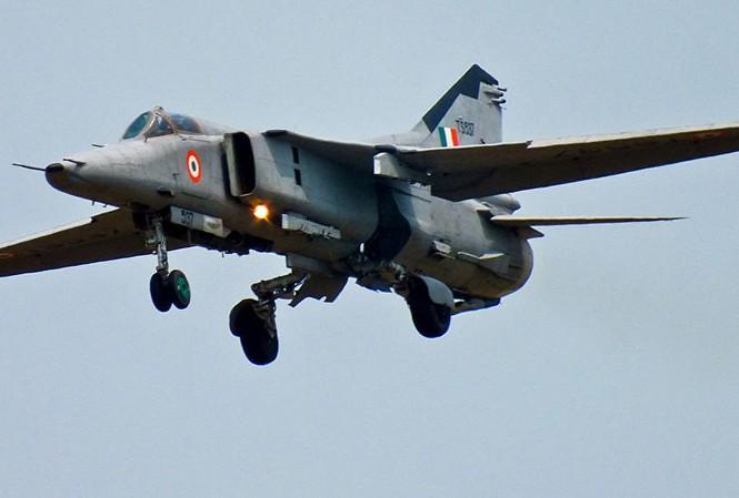 Máy bay MiG-27. Ảnh: Reuters