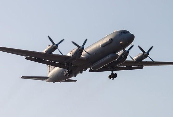 Máy bay trinh sát Il-20. Ảnh: Reuters