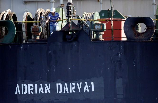 Tàu dầu Grace 1 đổi tên thành Adrian Darya. Ảnh: Reuters