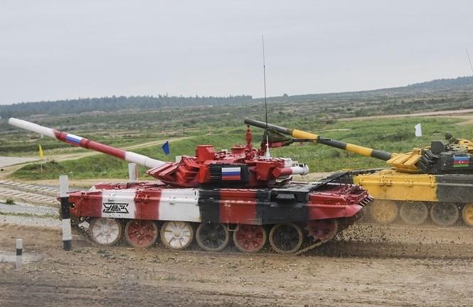 Xe tăng của đội Nga (màu đỏ). Ảnh: Sputnik